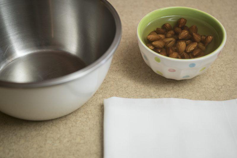 Mandelmilch: Mandeln einlegen